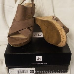 Wedge Sandals (Taupe)